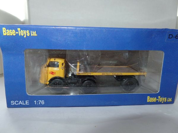 B T Models D-60 D60 Karrier Bantam Flatbed Artic British Railways Yellow